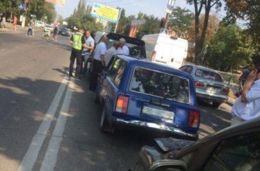 На проспекте в Корабельном районе столкнулись три автомобиля   Корабелов.ИНФО