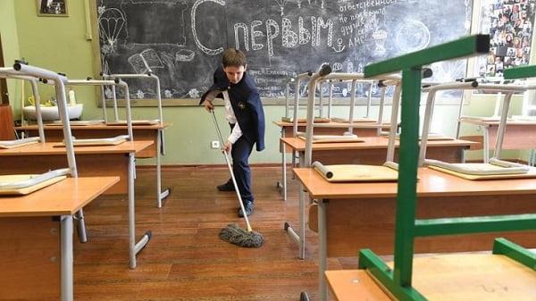 Photo of Після шкільного скандалу в Корабельному районі: «Знайдено можливість прибирати класи за рахунок бюджетних коштів»