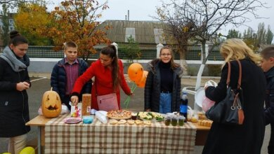 Photo of «Строкато, весело, дружно і смачно»: ліцеїсти Корабельного району провели благодійний ярмарок