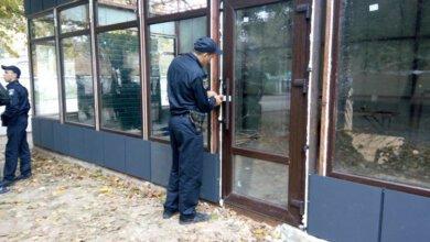 Активні дії громадськості примусили поліцію опечатати скандальну самозабудову | Корабелов.ИНФО image 1