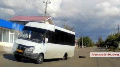 Photo of У «маршрутки» в Корабельном районе на ходу отпало колесо (Видео)