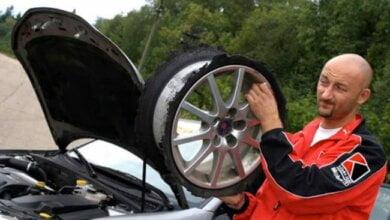 Photo of «Я три раза бил там колёса»: известный блогер-автогонщик Мочанов возмутился состоянием очаковской дороги