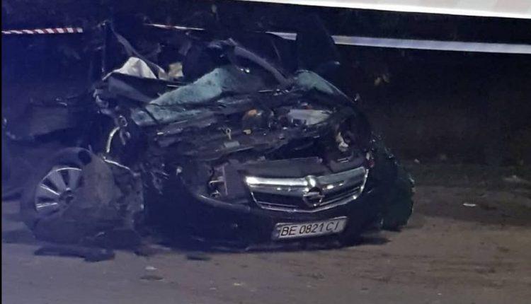 Photo of Ночное ДТП на «перегоне»: в автомобиле, который разорвало, ехали двое полицейских, погиб 25-летний сержант