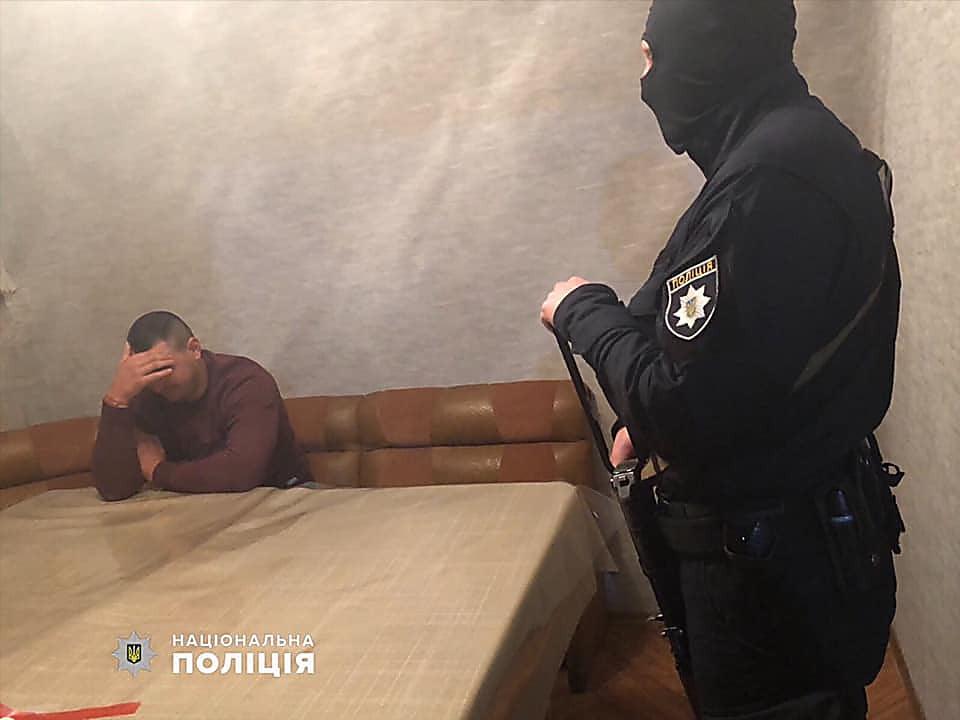 Photo of Вымогатели забрали авто и были вооружены… Подробности задержания банды в Николаеве