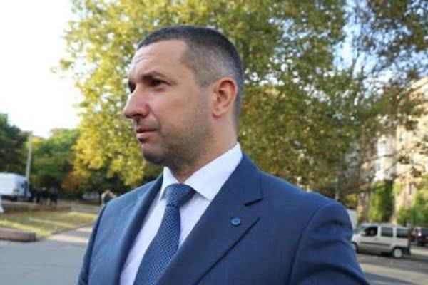 Photo of «Свой круг»: губернатор Стадник собрал пресс-конференцию, выгнав оттуда часть журналистов (ВИДЕО)
