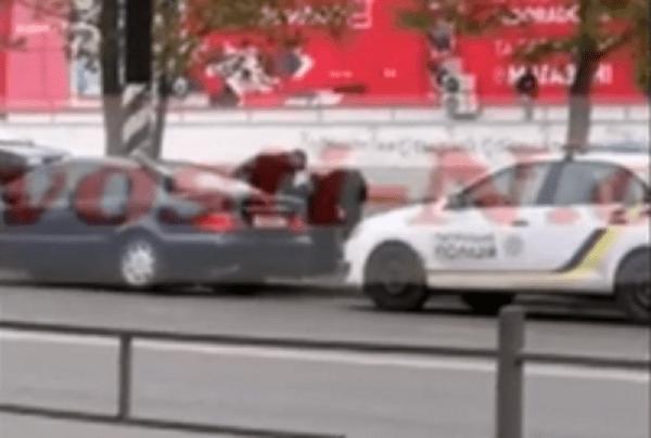 Photo of Николаевские патрульные остановили «Мерседес», водителем которого оказался «липовый» полицейский (видео)