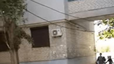 Photo of «Мусоровоз проехать не мог», — жительница Корабельного района о кабеле, опасно висящем между домами