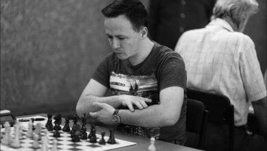 Photo of Остался ли тут кто-нибудь еще? Николаевский шахматист Николай Бортник переехал в США