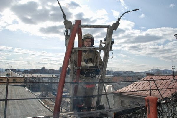 Photo of Залез туда во время игры… На Витовщине спасатели снимали 10-летнего мальчика с крыши здания