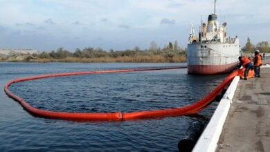 «Поставлені цілі досягнуті в повній мірі»: порт «Ольвія» провів тренування з ліквідації розливу нафтопродуктів   Корабелов.ИНФО image 1