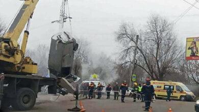 В России автомобиль провалился в яму с кипятком: двое человек сварились заживо (видео)   Корабелов.ИНФО