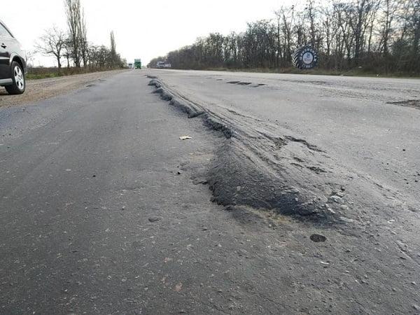 Photo of «Будем блокировать проезд», — активисты дали власти две недели на ремонт трассы «Николаев-Херсон»