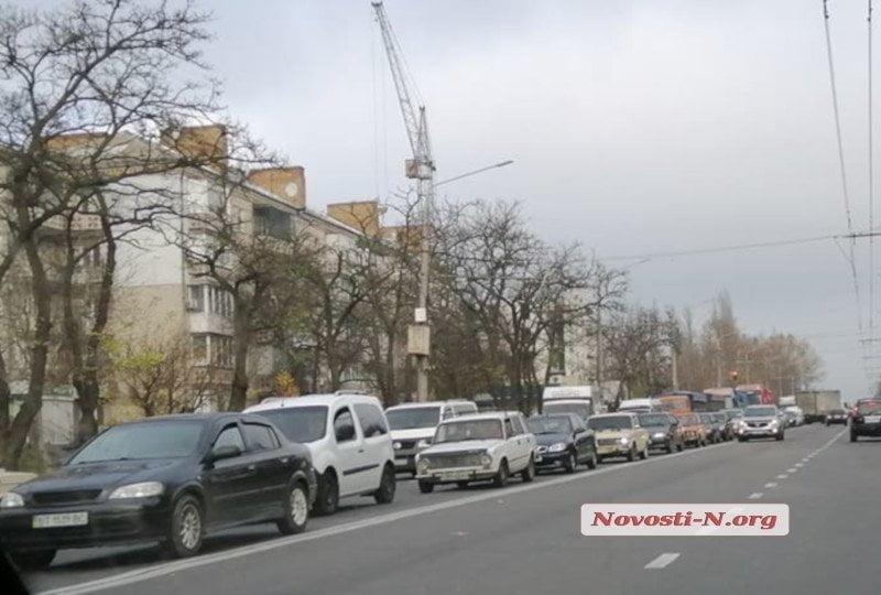 Photo of С пробками на проспекте Богоявленском мэрия будет бороться дорожной разметкой