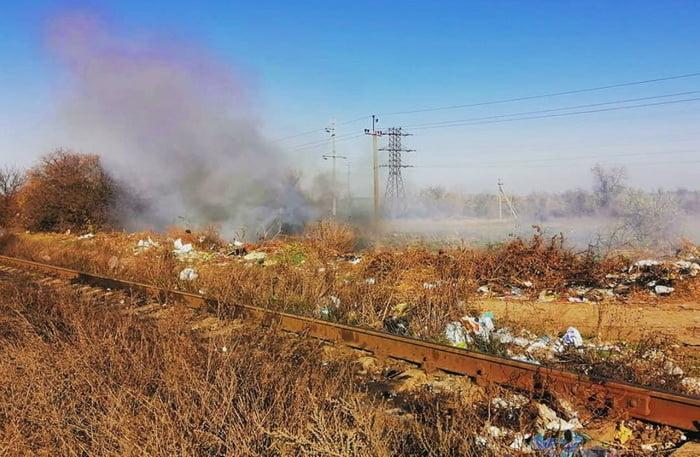 Photo of «Дышать нечем! Сидим дома в масках», — николаевские дачники страдают из-за дыма от тлеющей свалки