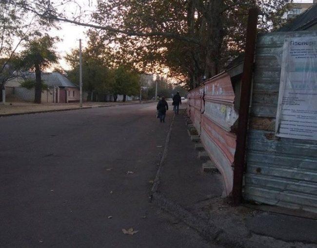 Photo of «Замороженная» стройка мешает жителям Корабельного района