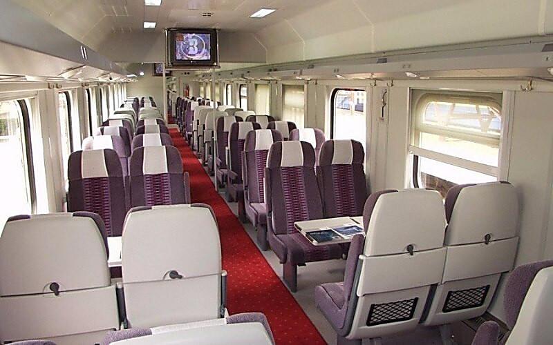 Photo of «Покупай у меня чай на 100 гривен», — проводник поезда «Николаев-Киев» вымогал взятку у пассажирки