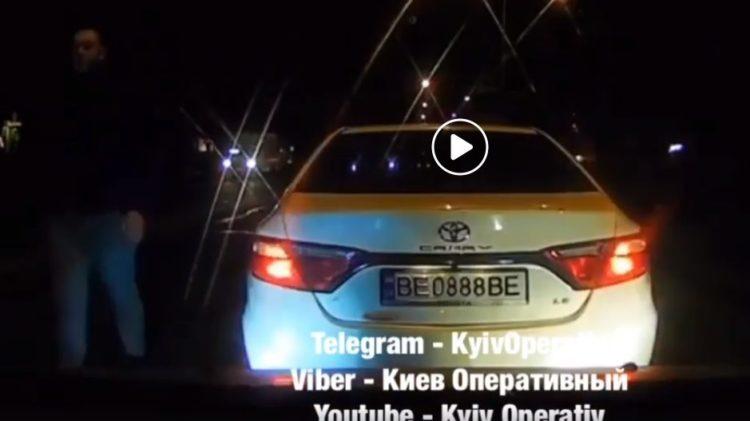 Photo of «Ты без машины сейчас, сука, останешься», — николаевский нарушитель ПДД (Видео)