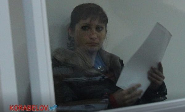 Photo of После краж в супермаркетах 35-летняя рецидивистка пошла на грабеж в Корабельном районе (Видео)