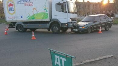 В Корабельном районе столкнулись грузовик «Мерседес» и «ВАЗ-2115»   Корабелов.ИНФО