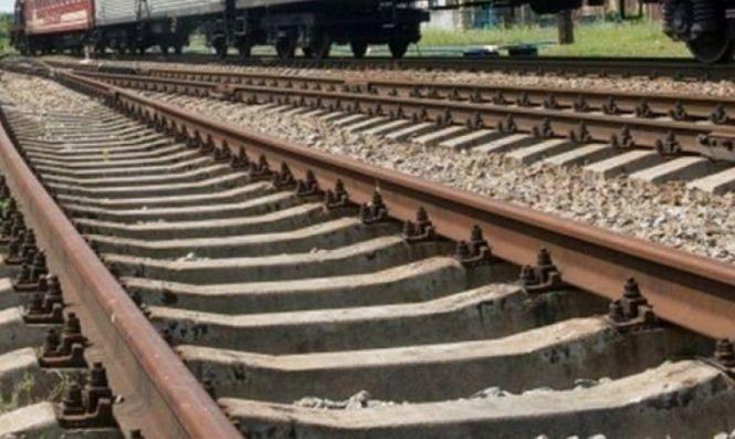 Photo of «Шел в наушниках»… Поезд в Корабельном районе насмерть сбил мужчину