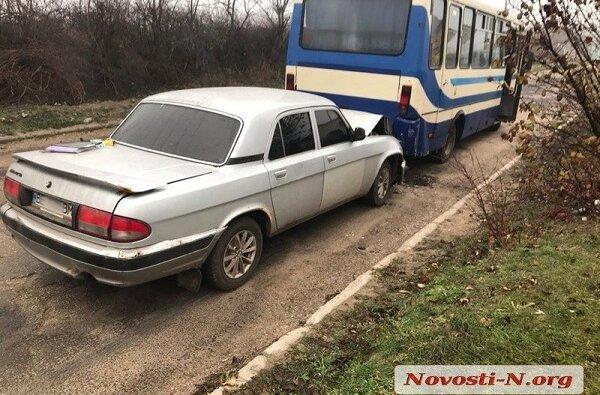 В селе Лиманы рейсовый автобус столкнулся с «Волгой» - один пострадавший | Корабелов.ИНФО image 3