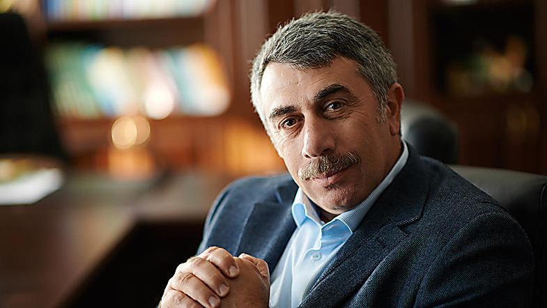 Photo of Доктор Комаровский порекомендовал смотреть порно вместо новостей по телевизору (видео)