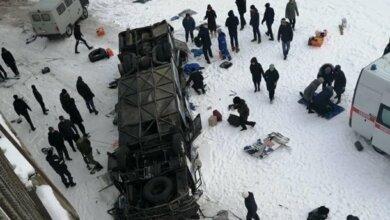 В России автобус упал с моста: 19 человек погибло | Корабелов.ИНФО