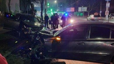 Водителю такси, пострадавшему в ночном ДТП в Николаеве, удалили селезенку и часть печени   Корабелов.ИНФО