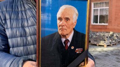Photo of В Николаеве провели в последний путь первого председателя администрации Корабельного района Виктора Белого
