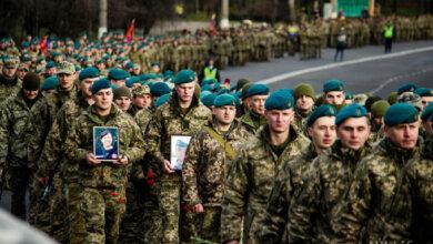 Photo of В Николаеве прошло торжественное шествие воинов, прибывших с Донбасса