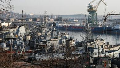 Ночью в оккупированном Севастополе утонул плавучий док с подводной лодкой | Корабелов.ИНФО