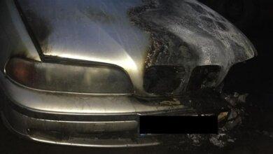 Пьяный мужчина в Корабельном районе поджег автомобиль своего соседа | Корабелов.ИНФО