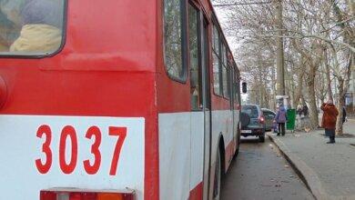 В троллейбусе умерла пожилая жительница Николаева   Корабелов.ИНФО