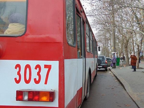 Photo of В троллейбусе умерла пожилая жительница Николаева