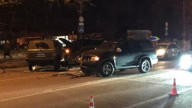 """ДТП с пострадавшими в Корабельном районе: """"Jeep Cherokee """", выехав на """"встречку"""", сбил три автомобиля   Корабелов.ИНФО image 1"""