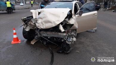 Таксист з пасажиром загинули, ще двоє - у лікарні: нічна ДТП на пр. Богоявленському   Корабелов.ИНФО image 2