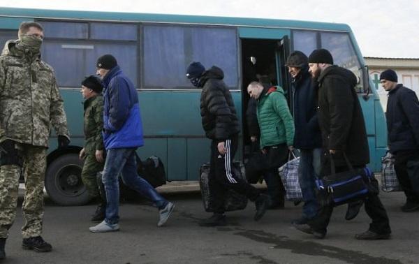 Photo of Трехсторонняя контактная группа согласовала условия обмена пленными до конца 2019 года