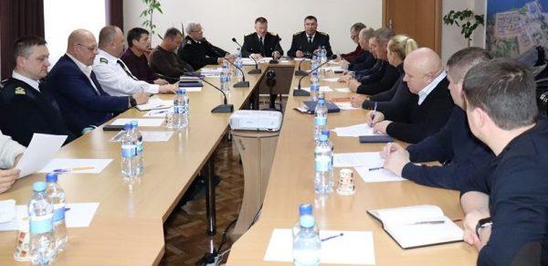Photo of Представники всіх портів у Корабельному районі обговорили готовність до роботи в льодових умовах
