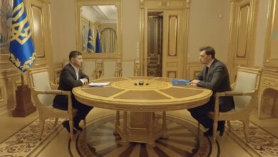 Зеленский оставил Гончарука премьером. Видео личной встречи | Корабелов.ИНФО