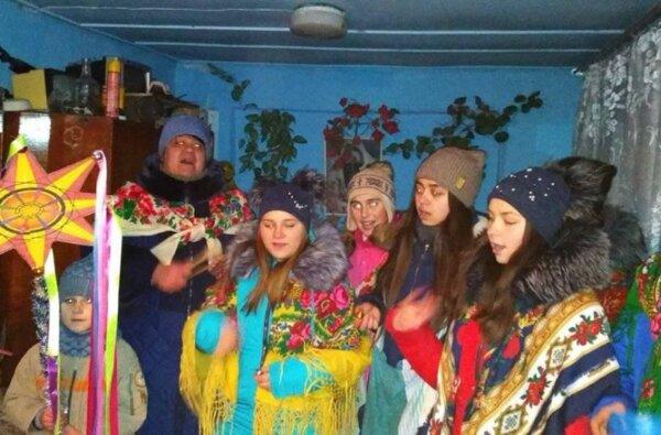Попри понад 70 років розгулу більшовицького безбожницького мракобісся, християнські традиції живуть у нашому народі | Корабелов.ИНФО