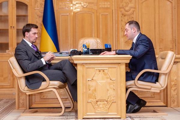 Photo of Премьер поручил в двухнедельный срок разработать план переаттестации всех налоговиков