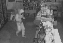 Photo of Ночные воры продолжают орудовать в магазинах Корабельного района (ВИДЕО)