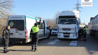 Photo of Полиция пообещала активно заняться грузовиками, разбивающими дороги и не дающими николаевцам спокойно жить