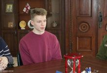 Photo of Вандал, разбивший светящееся сердце в надписи «I love Mykolaiv», извинился, а его семья возместит ущерб