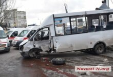 Photo of Умерла пассажирка «маршрутки», которую перевернул Range Rover в центре Николаева (ВИДЕО)
