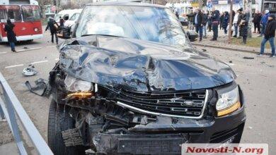 Photo of Водитель автомобиля Range Rover, влетевшего в «маршрутку» в Николаеве, задержан