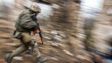 Photo of На Донбассе произошел интенсивный бой, погиб один военный, ранены четверо (видео)