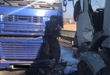Photo of На мосту под Николаевом снова столкнулись грузовики — на этот раз обошлось без смертей
