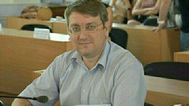 Photo of Николаевский депутат, поздравивший с 23 февраля картинкой с флагом России, заявил в полицию после «яичного нападения» на него