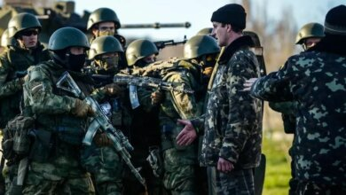 Photo of Депутат от «Оппоблока» поздравил николаевцев с Днем армии оккупанта открыткой с флагом России
